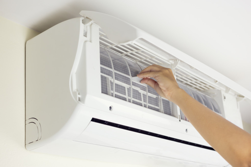 Cleaning AC air duct