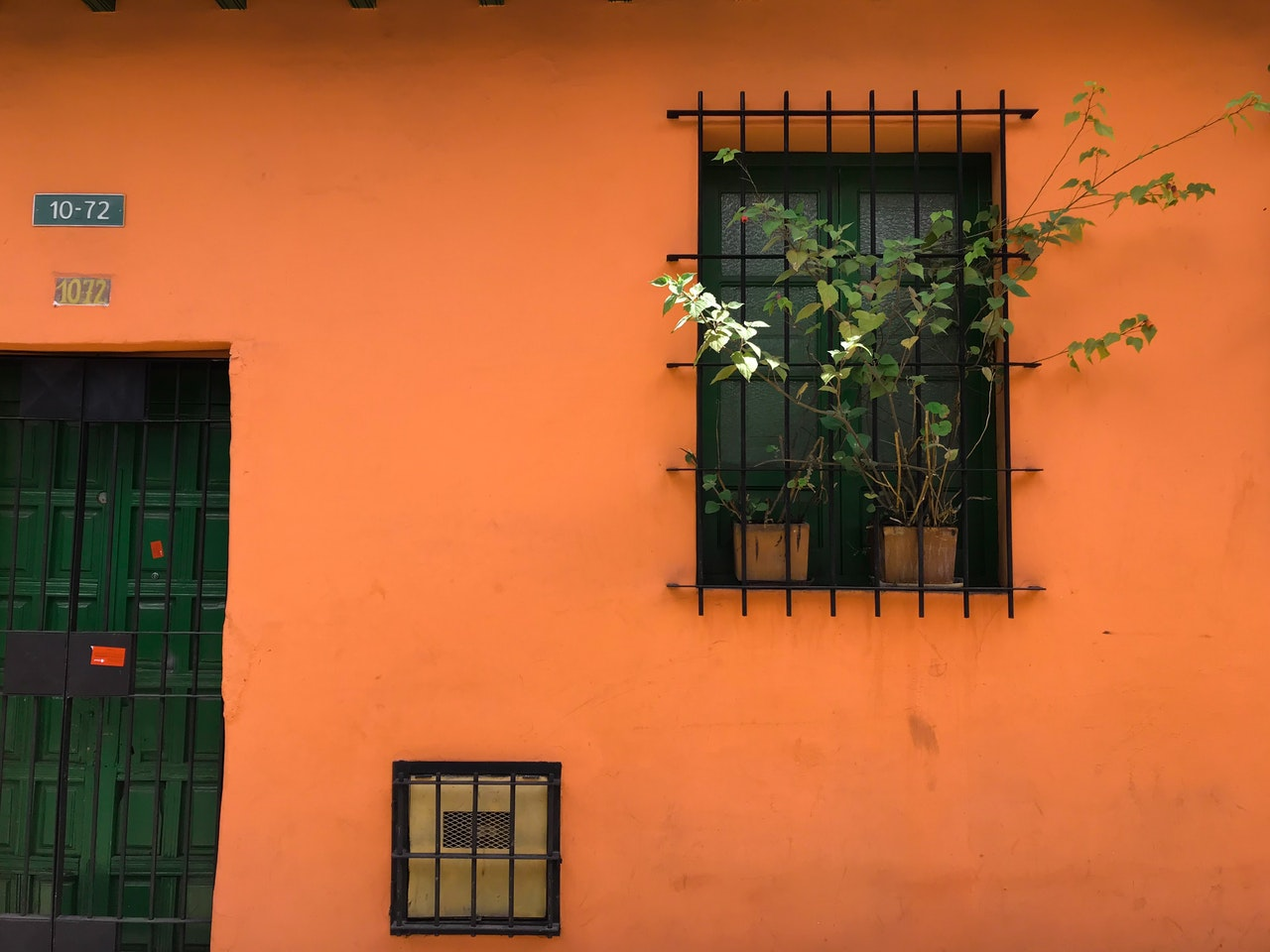 window with steel bars
