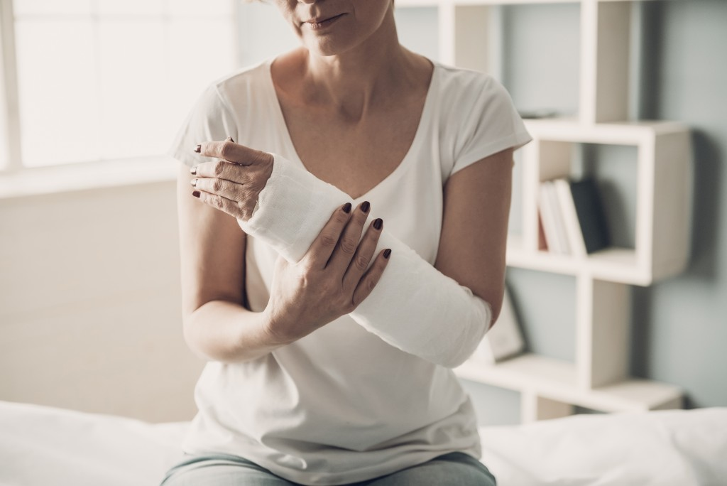 injured woman