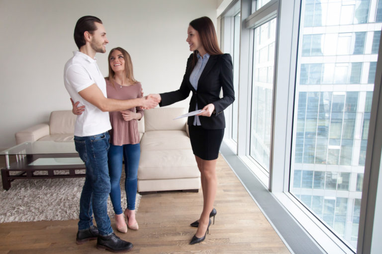couple with a realtor