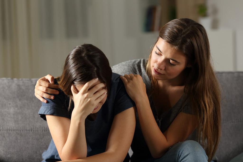 relative grieving